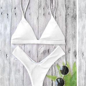 ✨ Zaful White Triangle Bikini S (similar to photo)